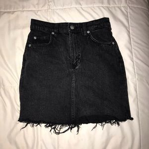 H&M black distressed denim skirt